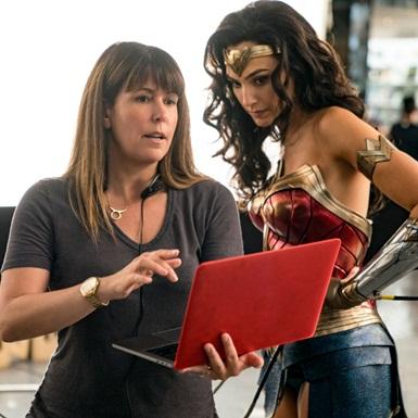 """Vì sao """"Wonder Women 1984"""" lại ngóng trông đến vậy?"""