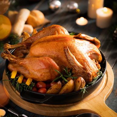 Tiệc trưa muộn ngày Giáng sinh cùng món gà nướng trứ danh