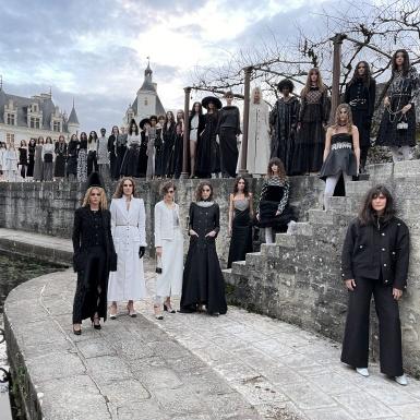 """Đi tìm dấu ấn Chanel trong """"Lâu đài của những quý cô"""""""