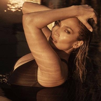 """""""Học lỏm"""" 11 bí quyết giữ gìn sắc vóc của bà mẹ 2 con 51 tuổi Jennifer Lopez"""
