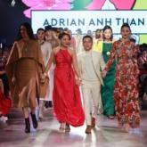 """NTK Adrian Anh Tuấn mang """"Đào"""" trở lại sàn diễn VIFF 2020, tái hiện vẻ đẹp phụ nữ kinh Bắc"""