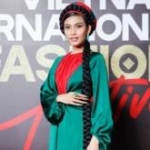 Hoa hậu Hương Giang khoe vẻ đẹp mặn mà trong bộ hình mới