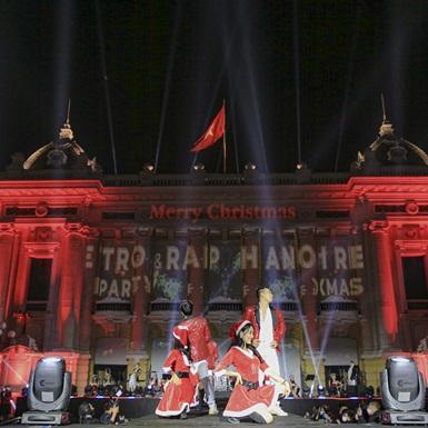 Xuân Bắc, Tlinh, Gonzo, Thành Draw và hàng chục nghệ sĩ cháy hết mình cùng hơn 10.000 khán giả trong đại nhạc hội Giáng sinh Hanoi Retro & Rap Xmas Party