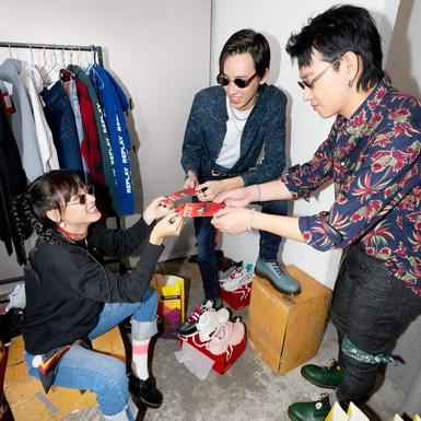 Hợp tác cùng stylist của Binz, HOANG PHUC International ra mắt bộ ảnh thời trang Tết Tân Sửu 2021