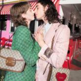 Gucci giới thiệu những gợi ý quà tặng Valentine lãng mạn với hình ảnh mang âm hưởng thập niên 70