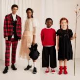 Mê mẩn trước những hình ảnh tuyệt đẹp từ BST Simone Rocha x H&M sắp ra mắt