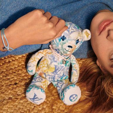 Chiến dịch #MAKEAPROMISE của Louis Vuitton x UNICEF mang nụ cười lạc quan cho các trẻ em yếu thế trong xã hội