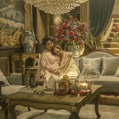 """Đẳng cấp diễn xuất của NSND Hồng Vân và Lê Khanh ở cảnh one-shot dài hơn 6 phút trong """"Gái già lắm chiêu V"""""""
