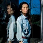 Nữ đạo diễn Chole Zhao: Từ tuổi trẻ nổi loạn ở Bắc Kinh đến những chuyến hành trình sâu bên trong trái tim nước Mỹ
