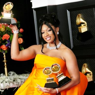 Grammy 2021: Sự thống trị của phái đẹp