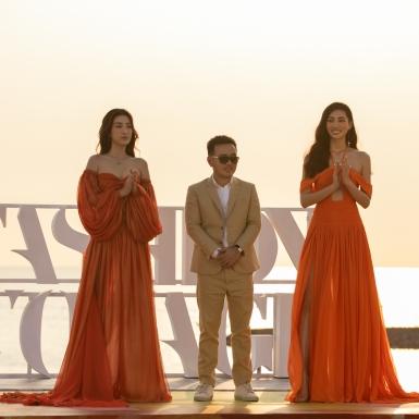 Hoa hậu Lương Thuỳ Linh mở màn, Đỗ Mỹ Linh làm vedette trong show của NTK Lê Thanh Hoà