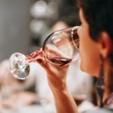 Thói quen uống rượu làm gia tăng nguy cơ mắc bệnh ung thư vú