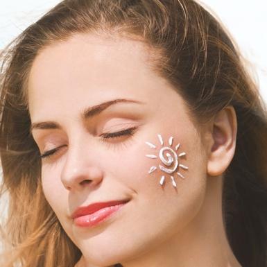Thoa kem chống nắng ngại nhất là da nhờn dính nhưng với sản phẩm này, chuyện đó chẳng đáng lo nữa
