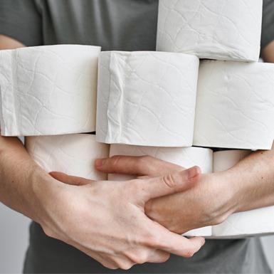 Tại sao đàn ông lại dành rất nhiều thời gian trong nhà vệ sinh?