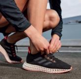 """adidas giới thiệu sản phẩm quần tập TechFit mới cho những ngày """"nguyệt san"""""""