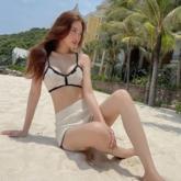 Đi biển quyến rũ với bikini len móc tự làm