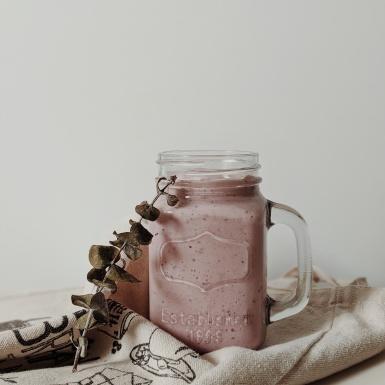 Cung cấp năng lượng và cấp ẩm cho da trong ngày hè oi bức với 5 loại smoothie này