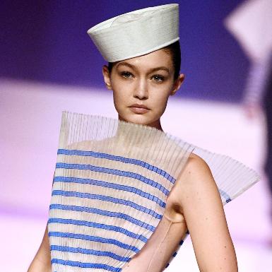 Jean Paul Gaultier trở lại với Ready-to-wear sau 6 năm mở ra kỷ nguyên mới