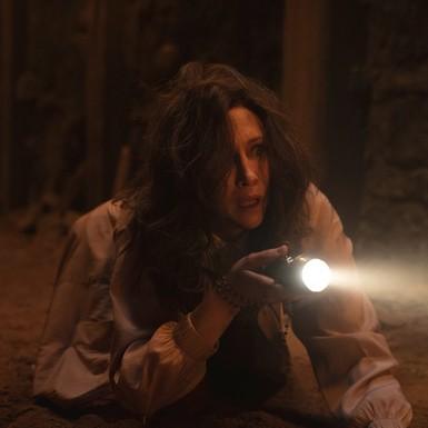"""""""The conjuring"""" phần mới nhất: Lorraine Warren có thêm siêu năng lực, yếu tố tâm linh thêm phần """"nặng đô""""?"""