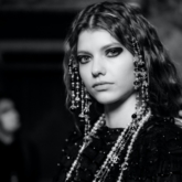 Khám phá những món phụ kiện đặc sắc của Chanel khiến mọi người thích thú