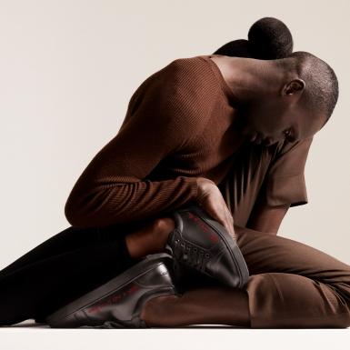 Christian Louboutin đồng hành cùng vợ chồng diễn viên Idris Elba với BST gây quỹ cho các tổ chức phi lợi nhuận
