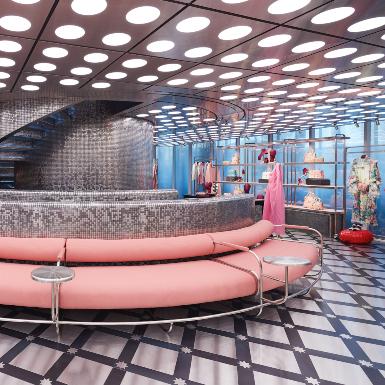 Choáng ngợp trước không gian xa hoa bậc nhất của cửa hàng Gucci Gaok tọa lạc tại khu Itaewon ở Hàn Quốc