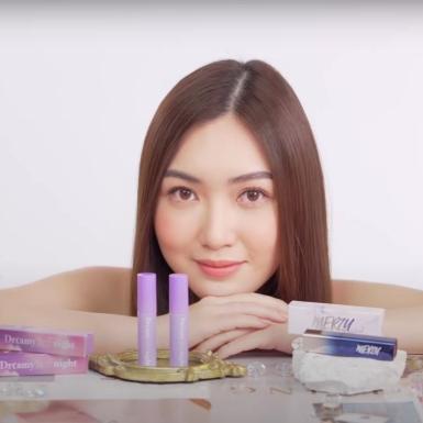 """Giải mã sức hút từ những video swatch son """"vạn người mê"""" của Chloe Nguyễn"""