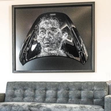 Huyền thoại F1 Ayrton Senne được tái hiện tại La Maison McLaren ở Paris