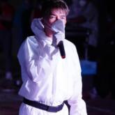 Đàm Vĩnh Hưng mang tiếng hát khích lệ tinh thần lạc quan chống lại đại dịch tại bệnh viện dã chiến, khu cách ly