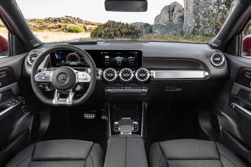 gioi thieu Mercedes-AMG GLB 35 4MATIC - 2