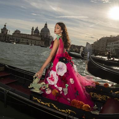 Dolce & Gabbana thắp sáng thành phố Venice với 3 BST thời trang và trang sức cao cấp mới