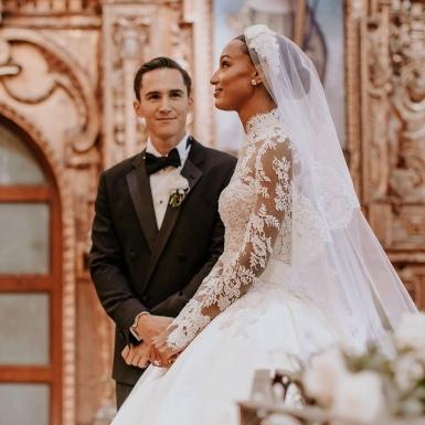 Thiên thần nội y Jasmine Tookes mặc đầm cưới của nhà mốt Haute Couture Zuhair Murad đến lễ đường