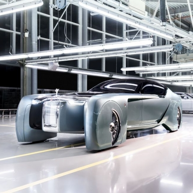 Xe siêu sang chạy năng lượng điện mở ra kỷ nguyên mới