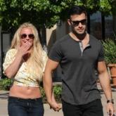 Britney Spears – Sam Asghari: Mối tình phá vỡ mọi định kiến của nàng công chúa và chàng Lọ Lem