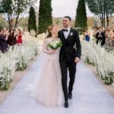 Ái nữ nhà tỷ phú Bill Gates diện mẫu đầm cưới bằng ren Pháp được nhà mốt Vera Wang thiết kế riêng