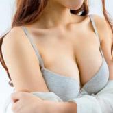Đạo diễn Lê Hoàng và MC Trác Thuý Miêu tranh luận về quyền nâng ngực của phụ nữ